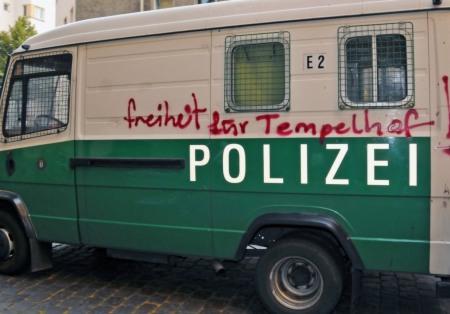 Freiheit auf Polizei-Wanne