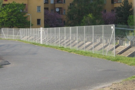 Zaun am Tempelhofer Feld Südosten